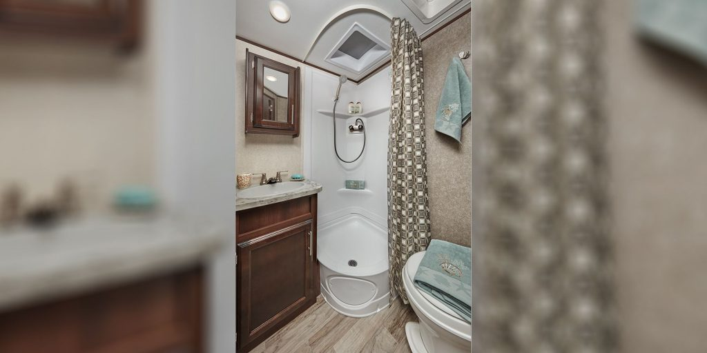 Jayco Jay Feather bathroom