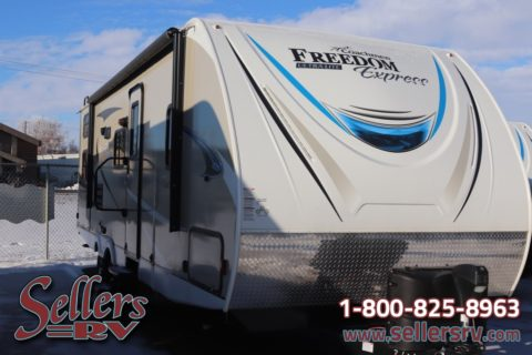 2019 Coachmen Freedom Express 257 BHS